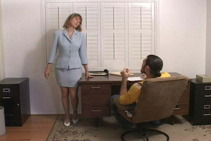 Clipspoolcom  Boss-Lady Jamie Foster Must Strip Naked-1271