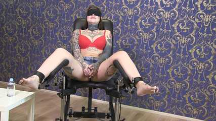 Tickle torture for slave Maja part one