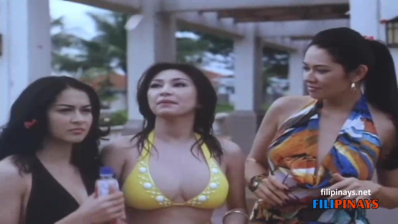 rufa-mae-quinto-boobs-and-nipples
