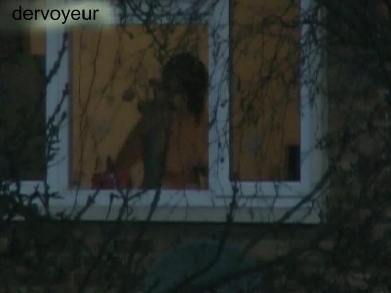 Подглядывание за соседями в окно переодевание девушек