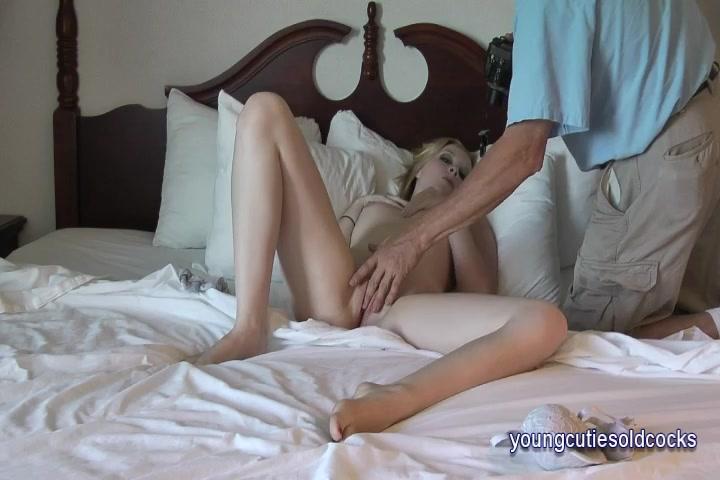 Kiki munroe anal training by an older guy 10