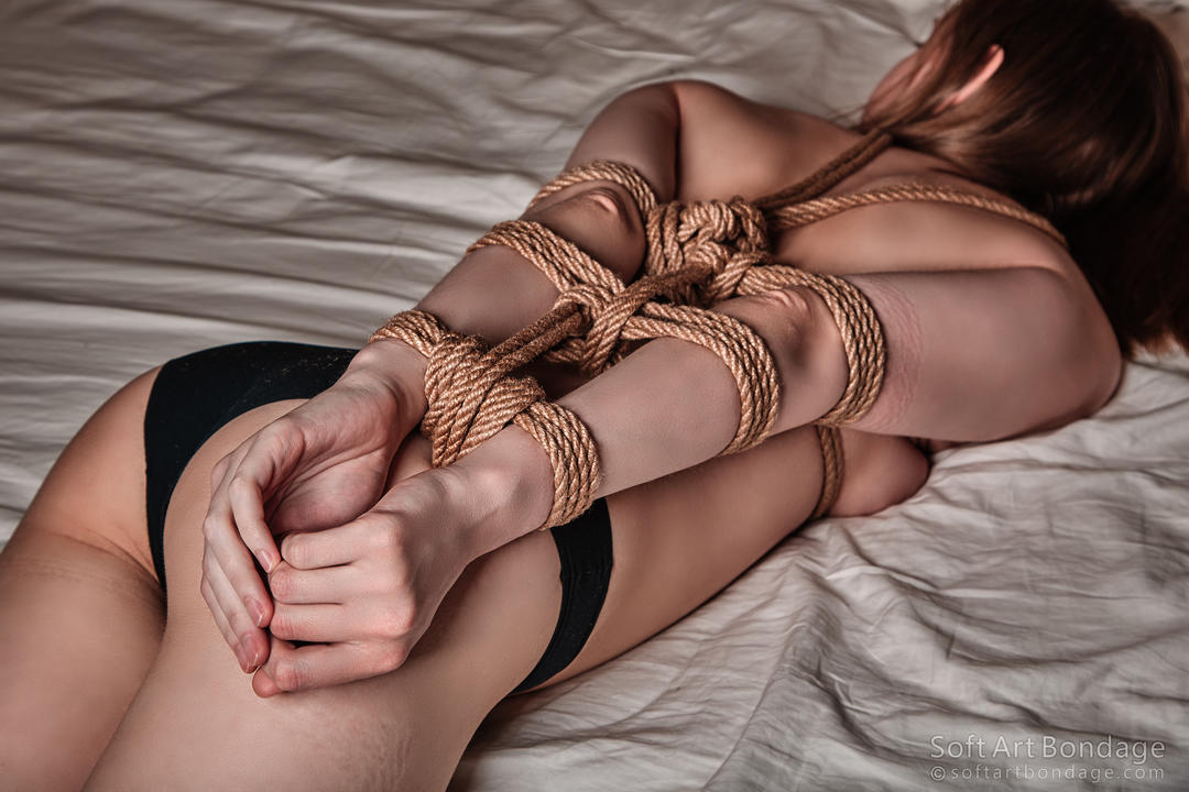 full-soft-bondage-pictures-photos-fields-anal-scene
