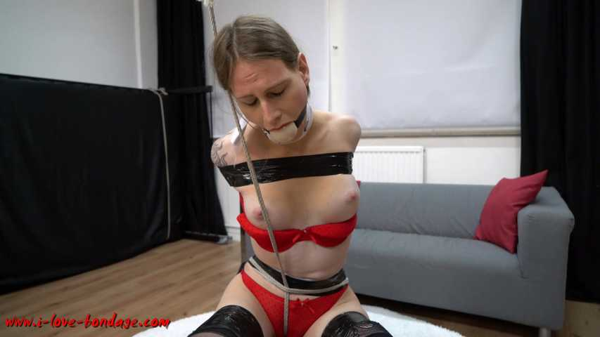 bondage party streng gefesselt