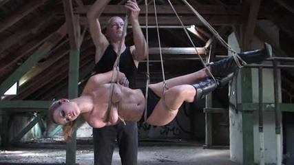 Body suspencion in the loft