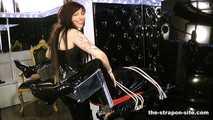 Kinky double stimulation 0