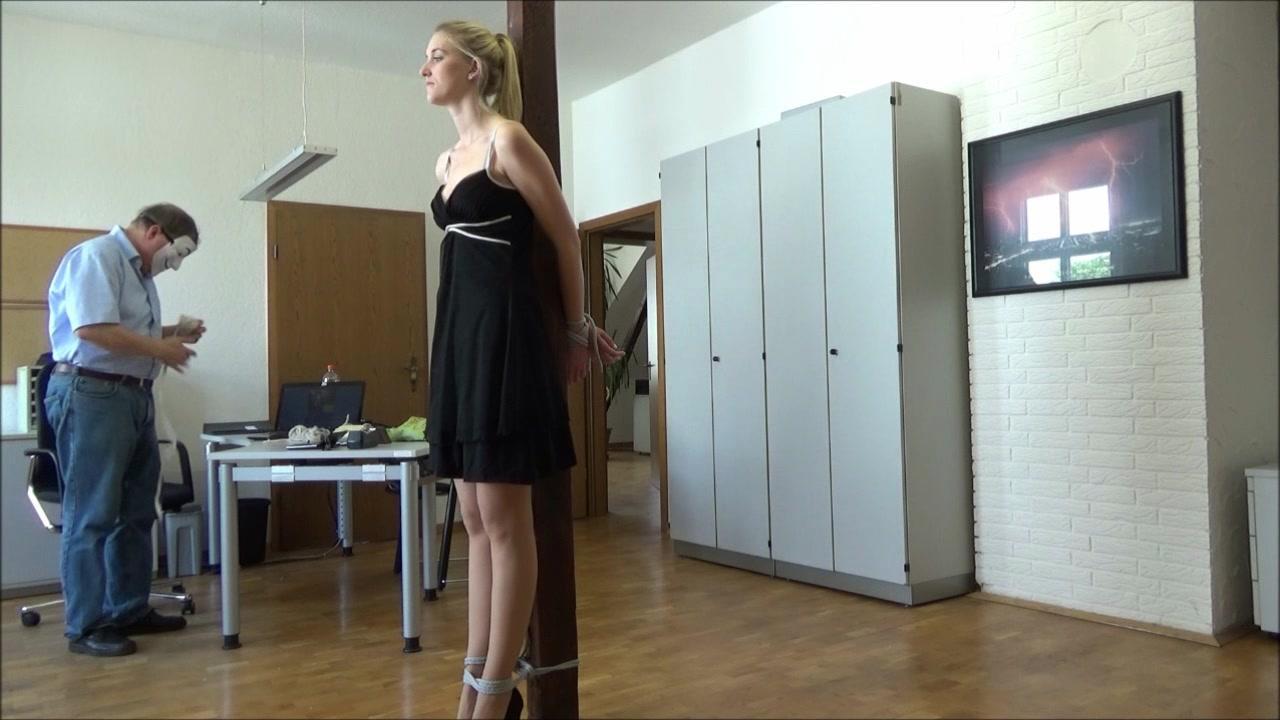 Adult videos Women peeing accidnts