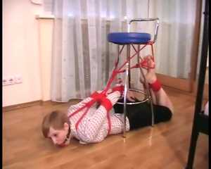 Alice Lee – Bondage fun under the chair in front of the mirror (video)