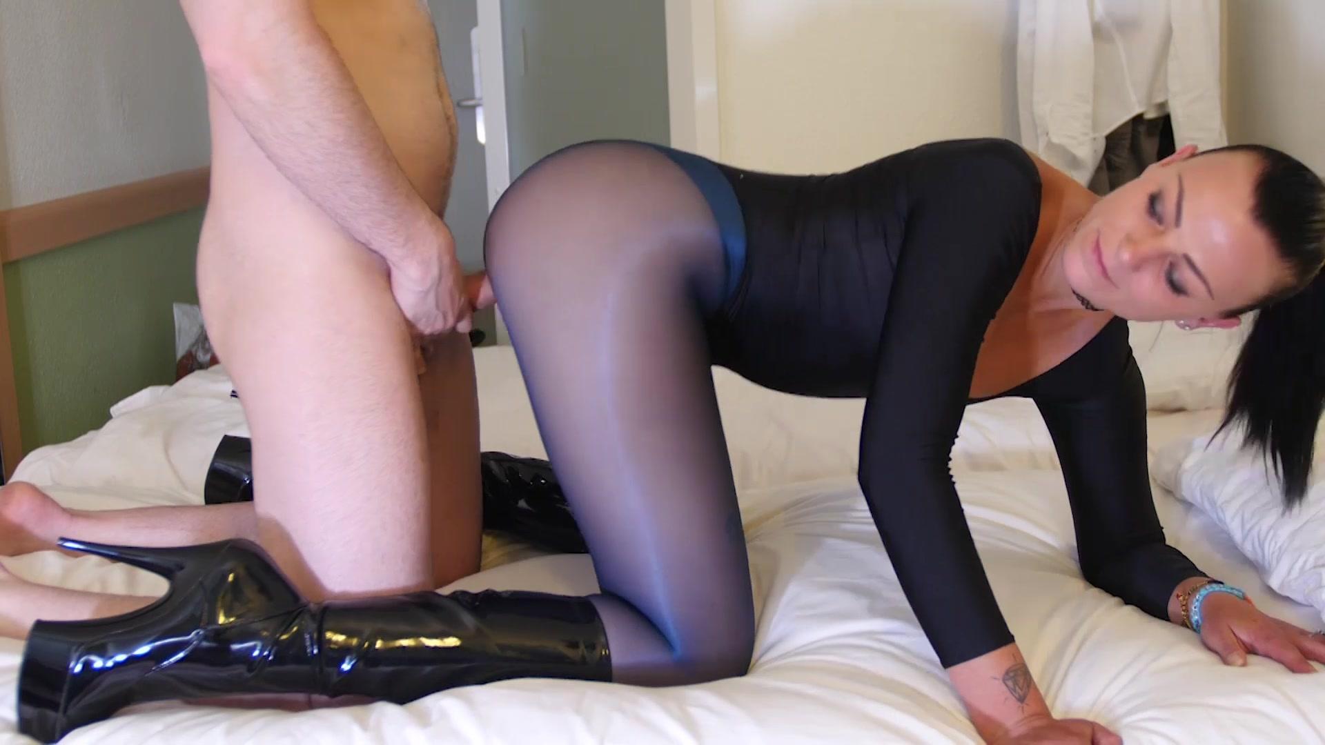 Girl rides dildo porn