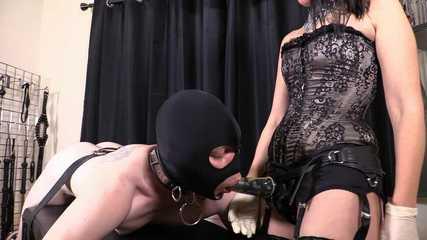 Lady Bellatrix Deep and Dirty - Lick Me Clean Whore (HD wmv)