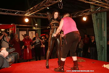 More Katarina Blade live from BoundCon !