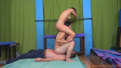 Yvette & Adriana: double weight > double fun > double slave-crush!