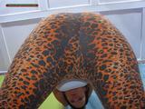 Benita facesitting in leo-leggins 5