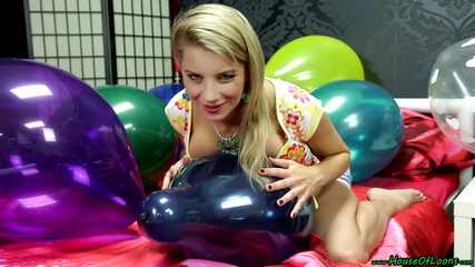 sernsual and busty balloon popping