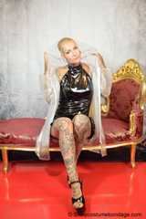 +++new+++ Miss Francine in transparent raincoat