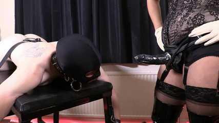 Lady Bellatrix Deep and Dirty - Up His Ass (HD wmv)