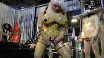 Madame Gillette - 2 Rubbertoys to play Part1 0